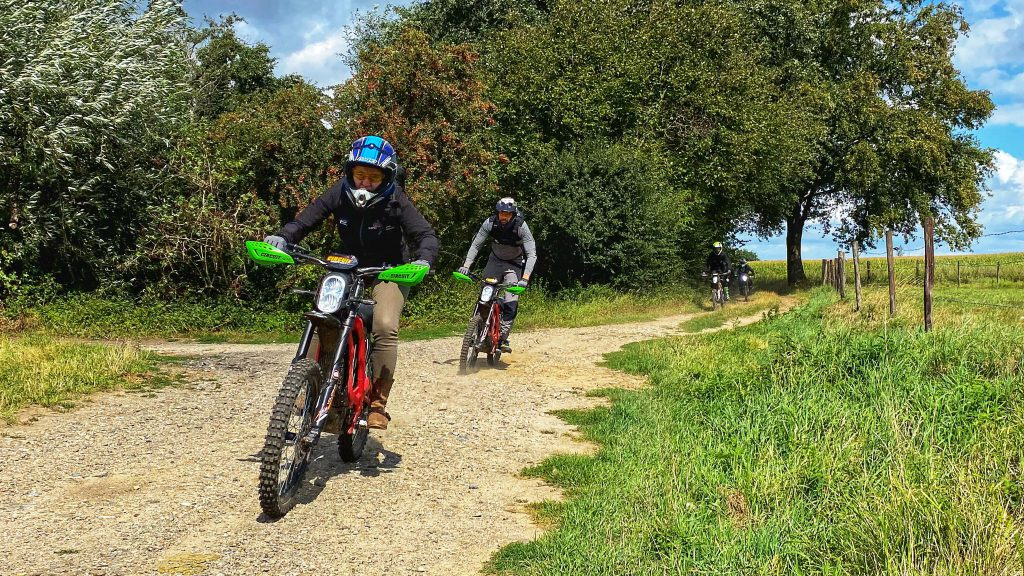 elektirsch offroad rijden E-tour Sur-ron Endurofun 4